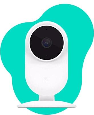 Weisse Überwachungskamera mit SIM Karte von vorne